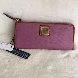 Dooney and Bourke pebble mauve wallet